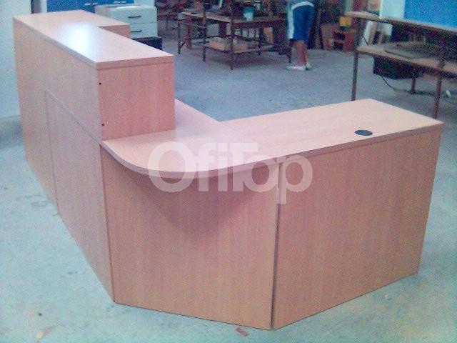Diseo de mostradores modernos preview ud muebles colineal vitrinas diseo tienda ropa grupoias - Disenos de mostradores ...